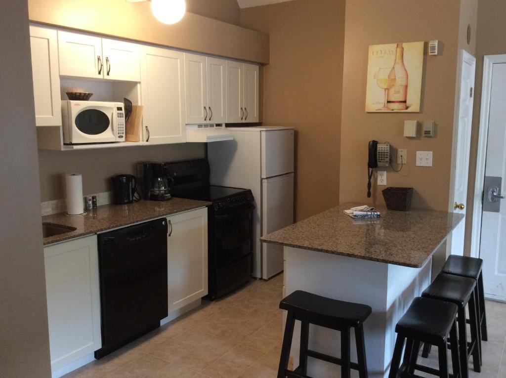 مطبخ أو مطبخ صغير في Mountain Springs Loft