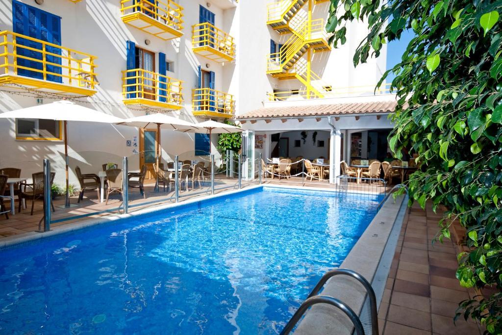 Het zwembad bij of vlak bij Bellavista Hotel & Spa