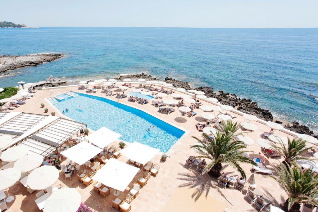 Vaizdas į baseiną apgyvendinimo įstaigoje Sensimar Aguait Resort & Spa - Adults Only arba netoliese