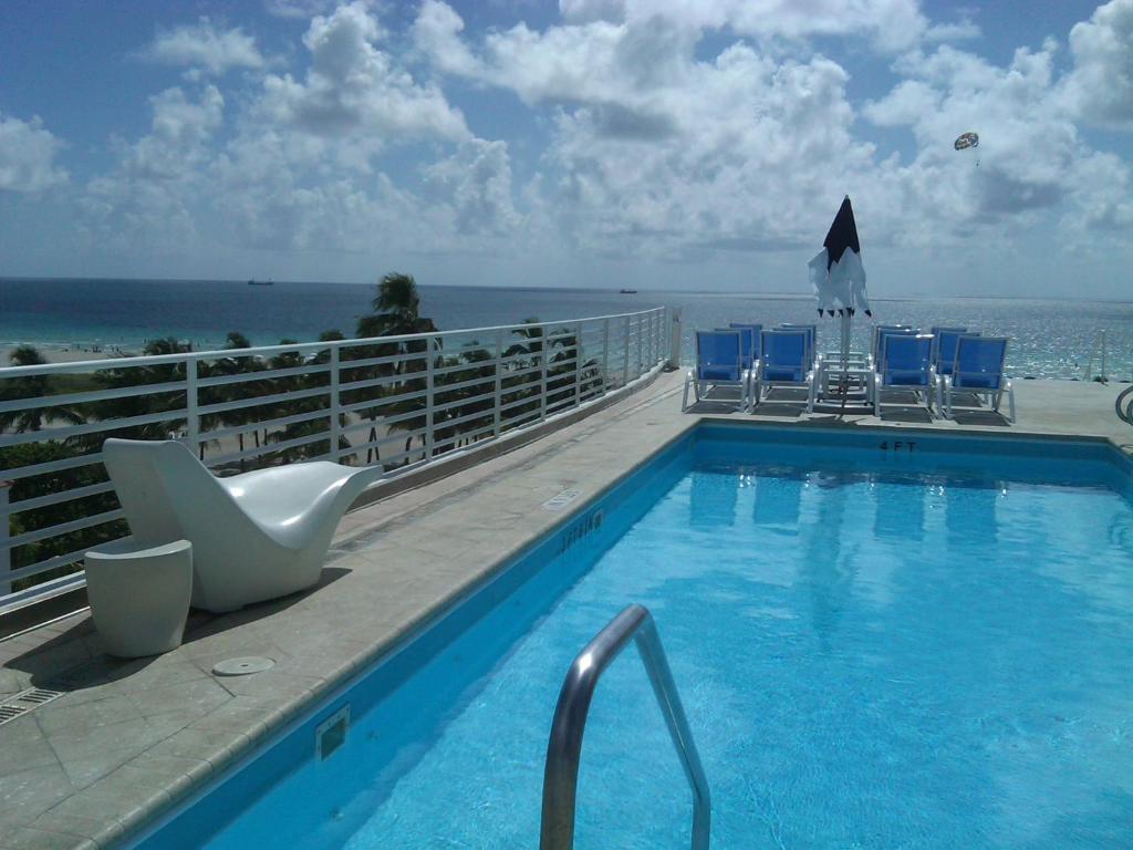 Strand Ocean Drive Suites Miami Beach