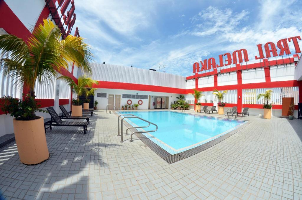 The swimming pool at or near Hotel Sentral Melaka @ City Centre