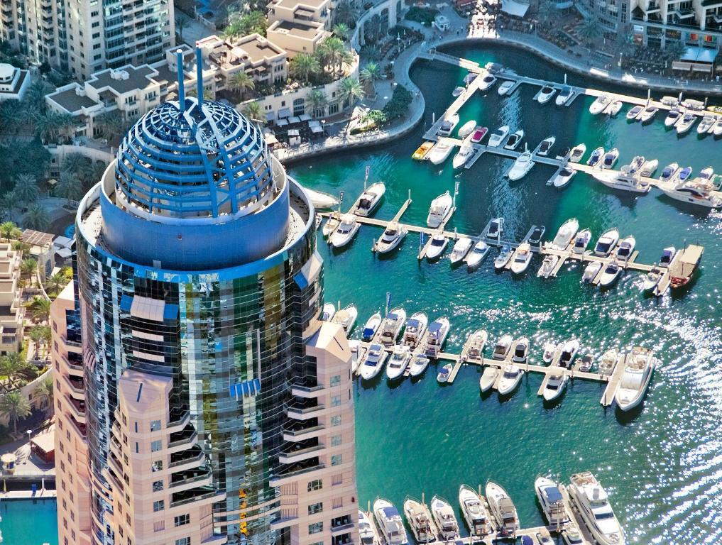 A bird's-eye view of Dubai Marriott Harbour Hotel And Suites
