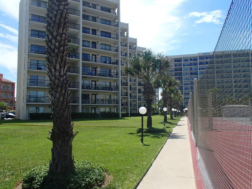 Resort Royale Beach And Tennis Club
