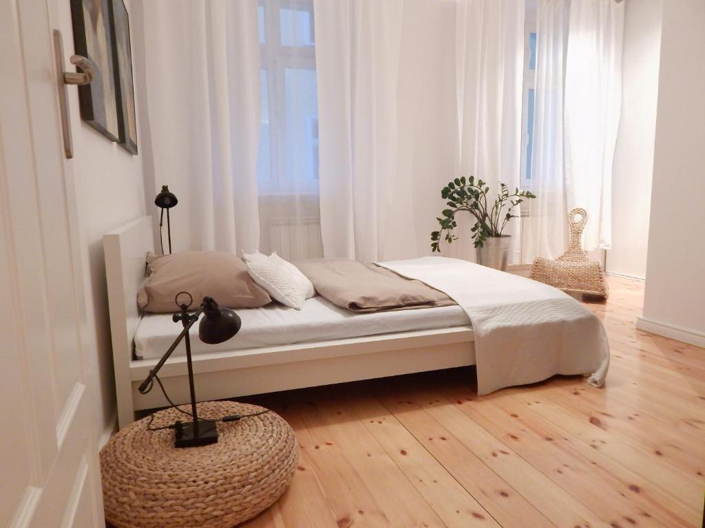 波茲南克拉斯公寓房間的床