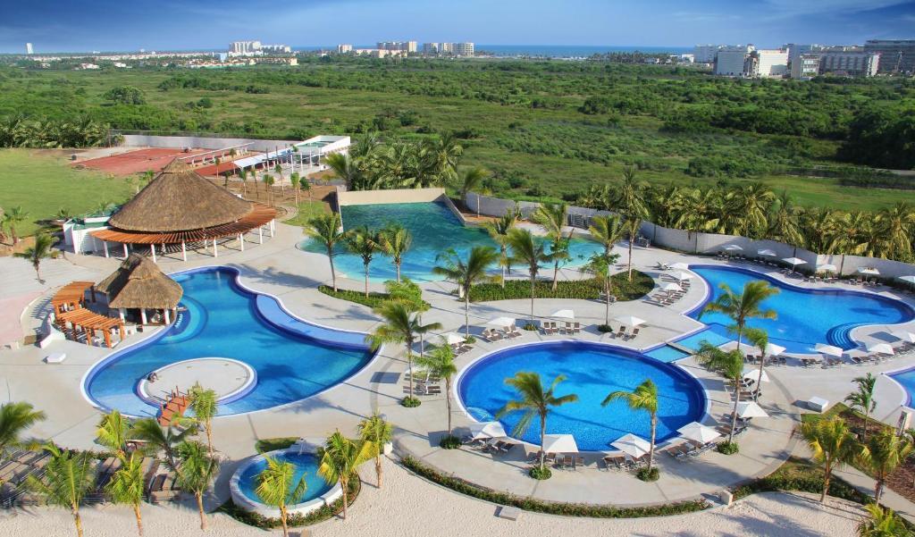 Resort Palacio Mundo Imperial (México Acapulco) - Booking.com