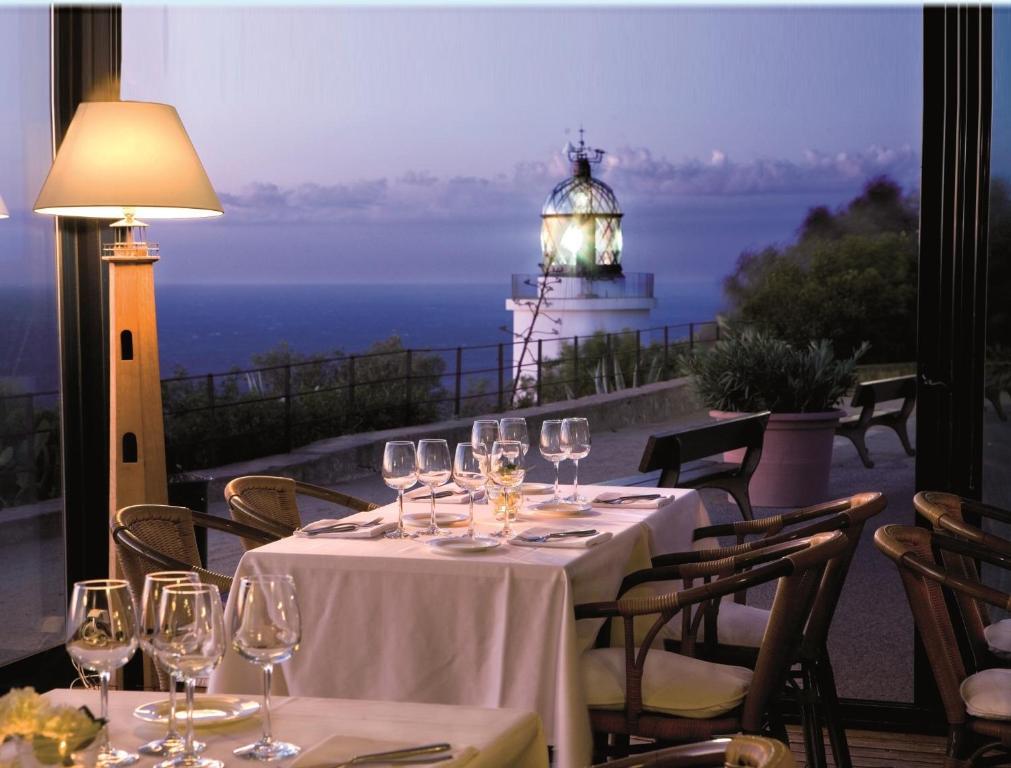 El Far Hotel Restaurant