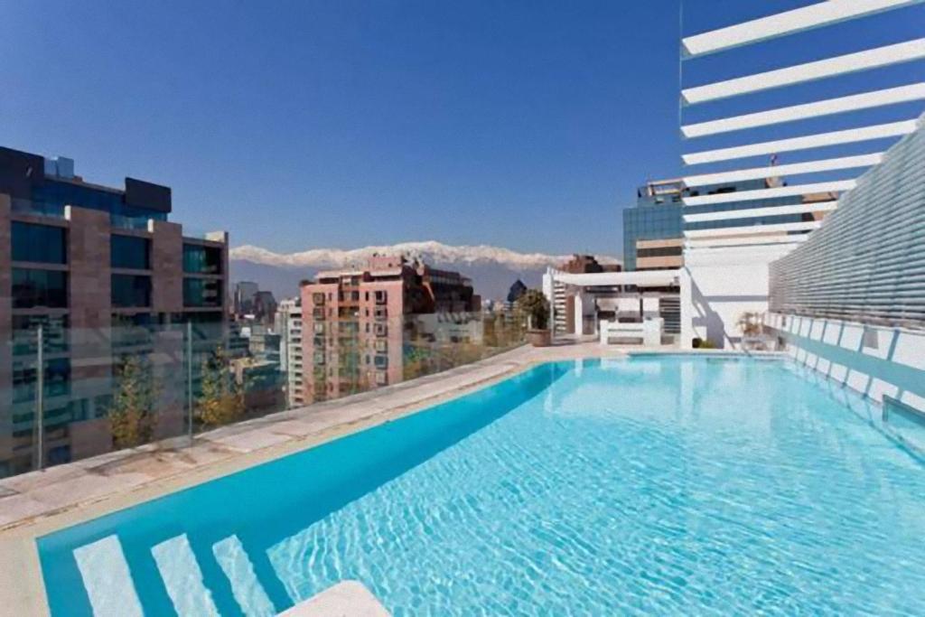 A piscina localizada em Departamentos Costa Nueva de Lyon ou nos arredores