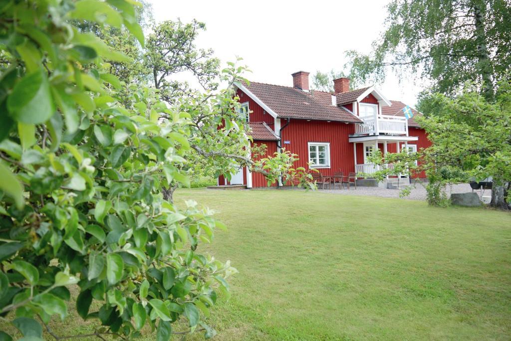 A garden outside Rinkeby Gård