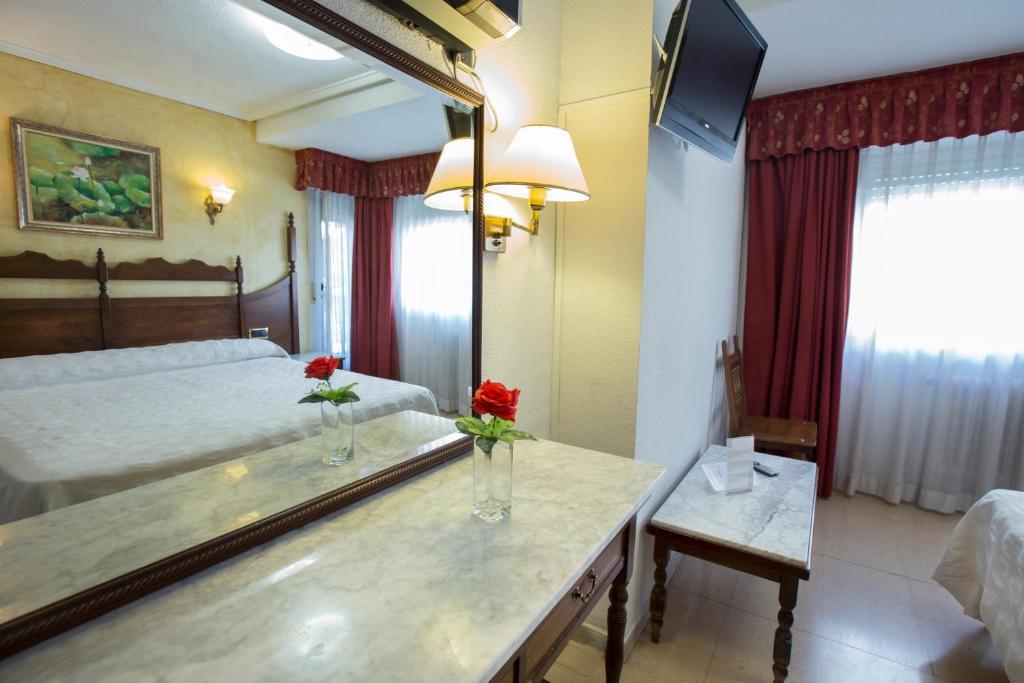 Hotel Reyes Catolicos (España Salamanca) - Booking.com