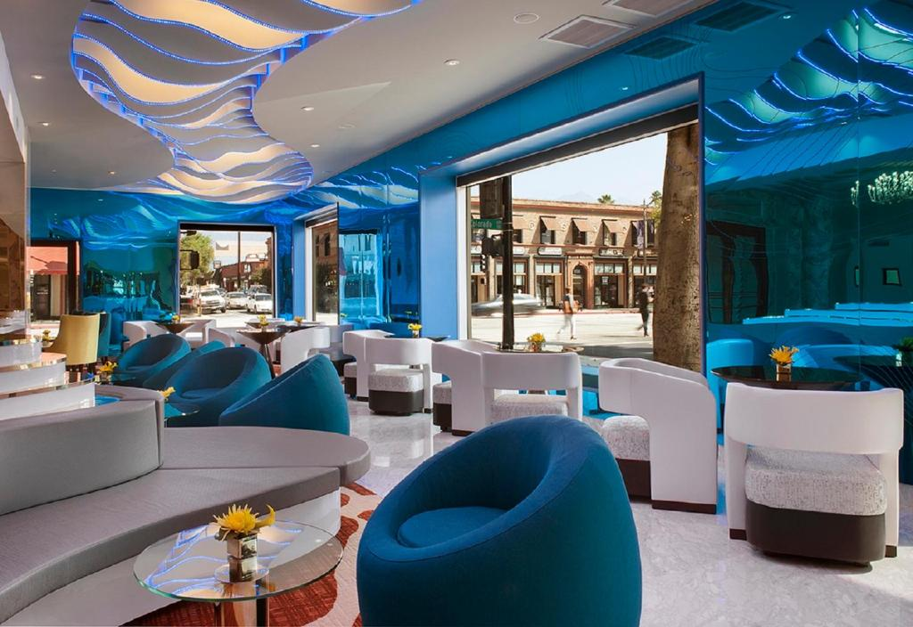 The lounge or bar area at Hotel Constance Pasadena