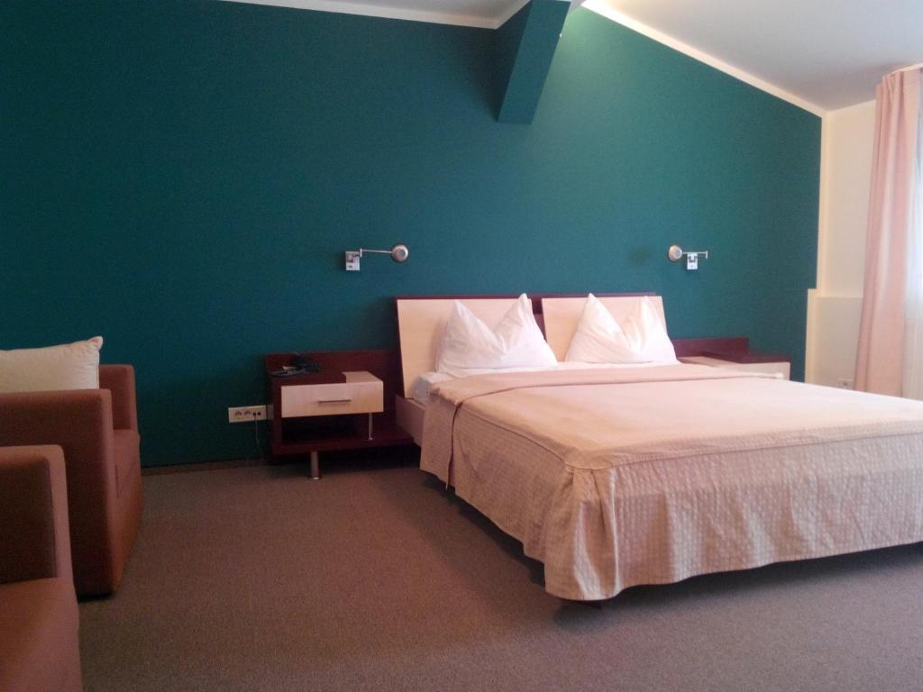 A room at Hotel Baneasa Parc