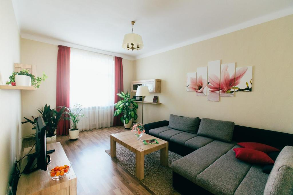 A seating area at Riga Street Apartments in Valmiera - 20