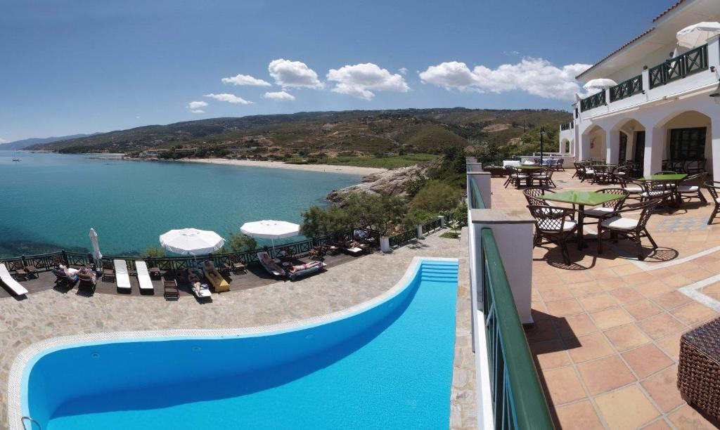 A view of the pool at Erofili Beach Hotel or nearby