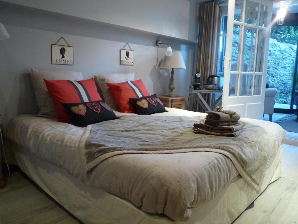 A bed or beds in a room at 38 Solidor