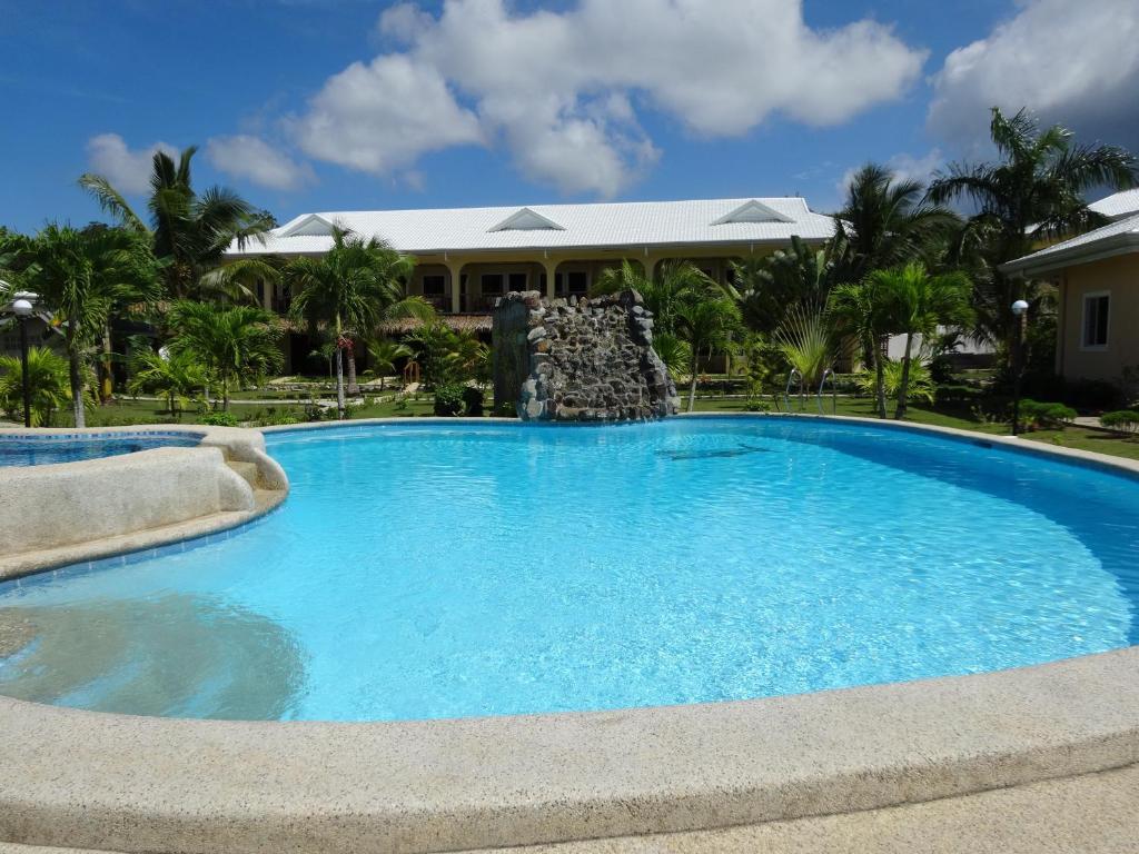 The swimming pool at or near Bohol Sunside Resort