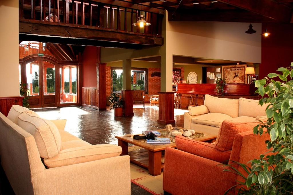 The lobby or reception area at Hosteria Posta Sur