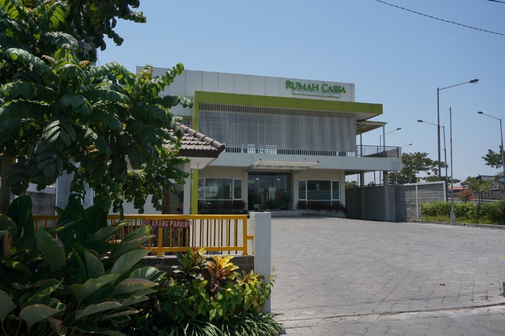 The facade or entrance of Rumah CASSA Guest House