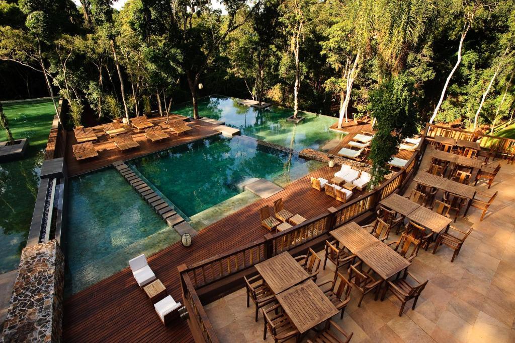 Una vista de la pileta en Loi Suites Iguazu Hotel o alrededores