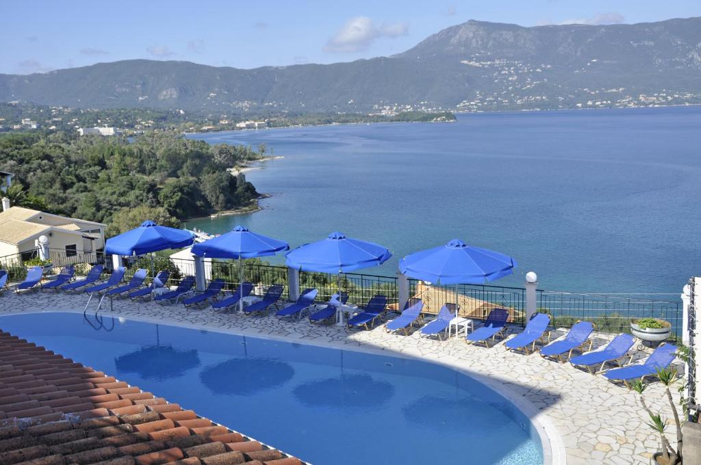 A view of the pool at Kommeno Bella Vista or nearby