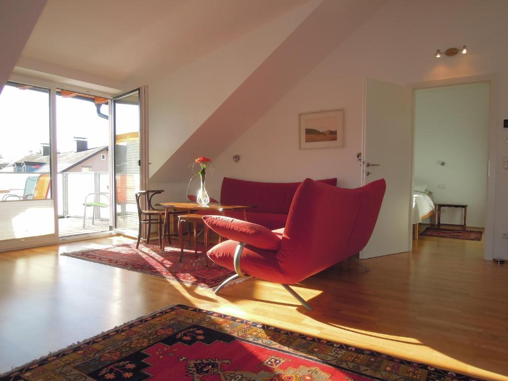 A seating area at Riedenburg - ruhig und zentrumsnah