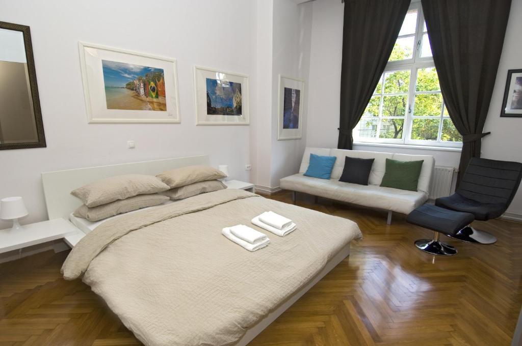 Postelja oz. postelje v sobi nastanitve Galeria Rooms