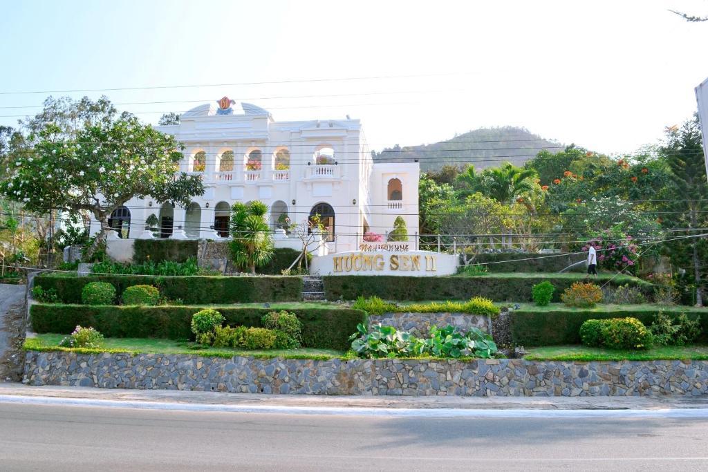 Khách sạn Hương Sen 2