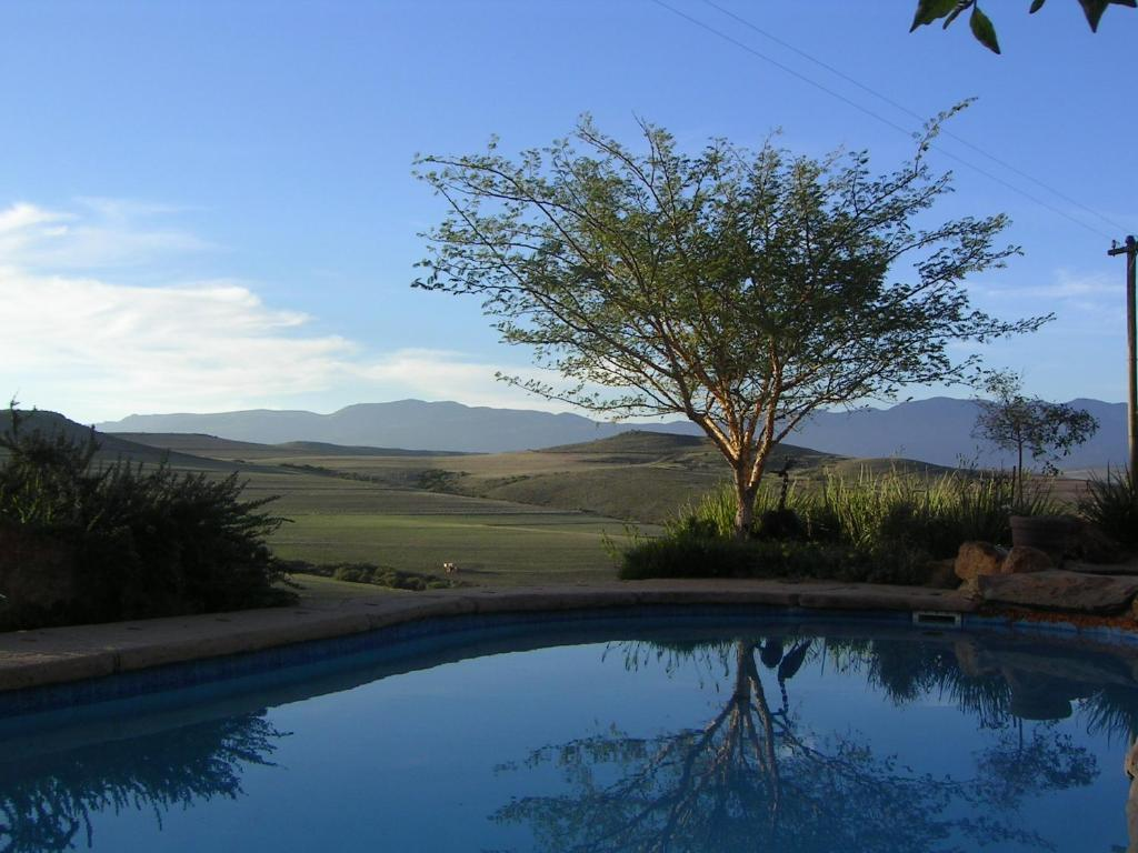 The swimming pool at or close to Skeiding Guest Farm