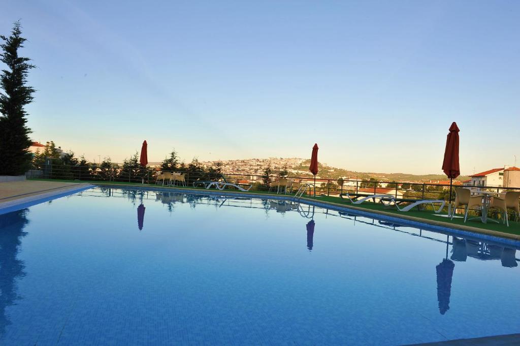 A piscina em ou perto de Hotel Lusitania Congress & Spa