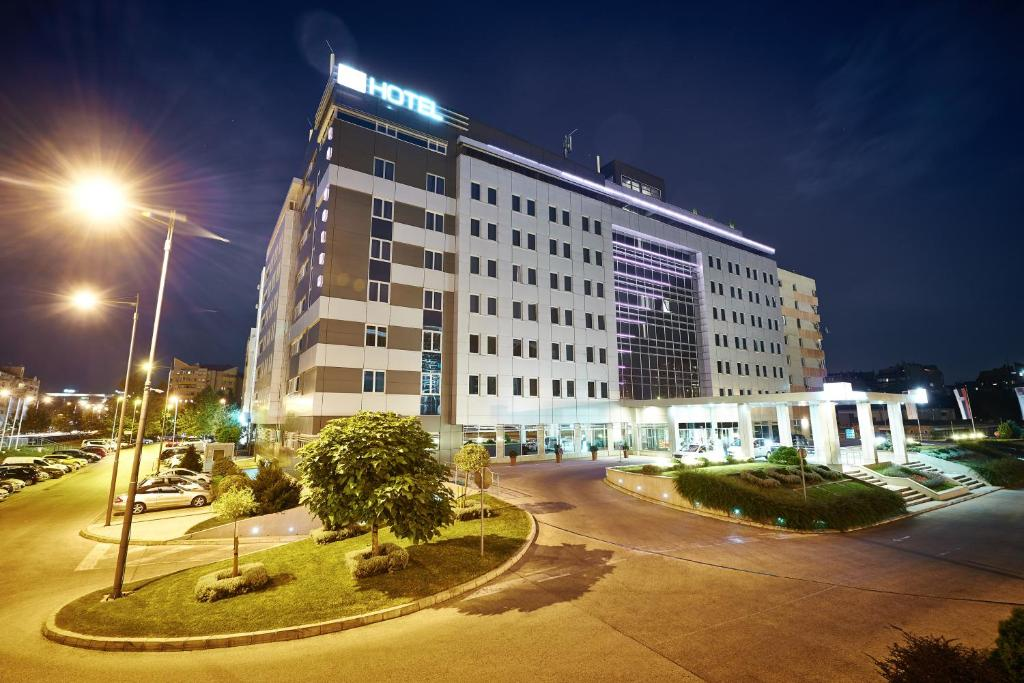 Holiday Inn Belgrade Best Hotel Photos Review Hotelslike Com