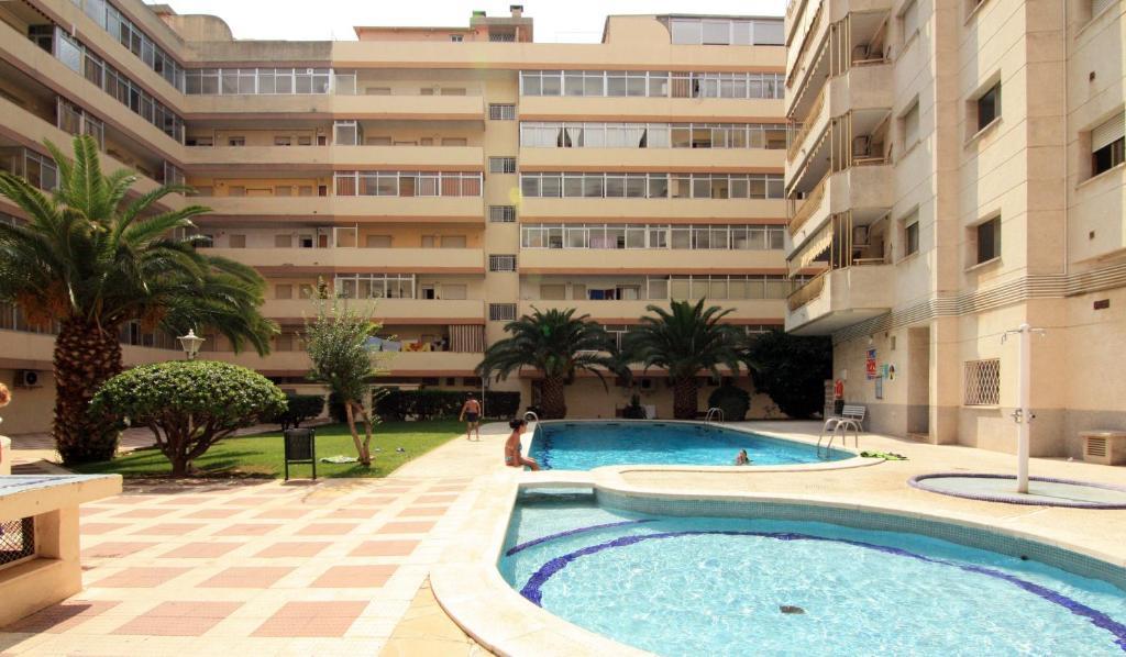 Бассейн в Apartamentos Indasol или поблизости