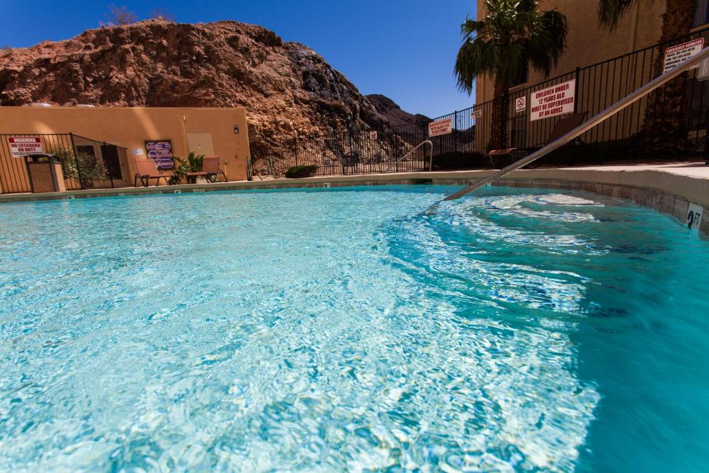 The swimming pool at or near Hoover Dam Lodge