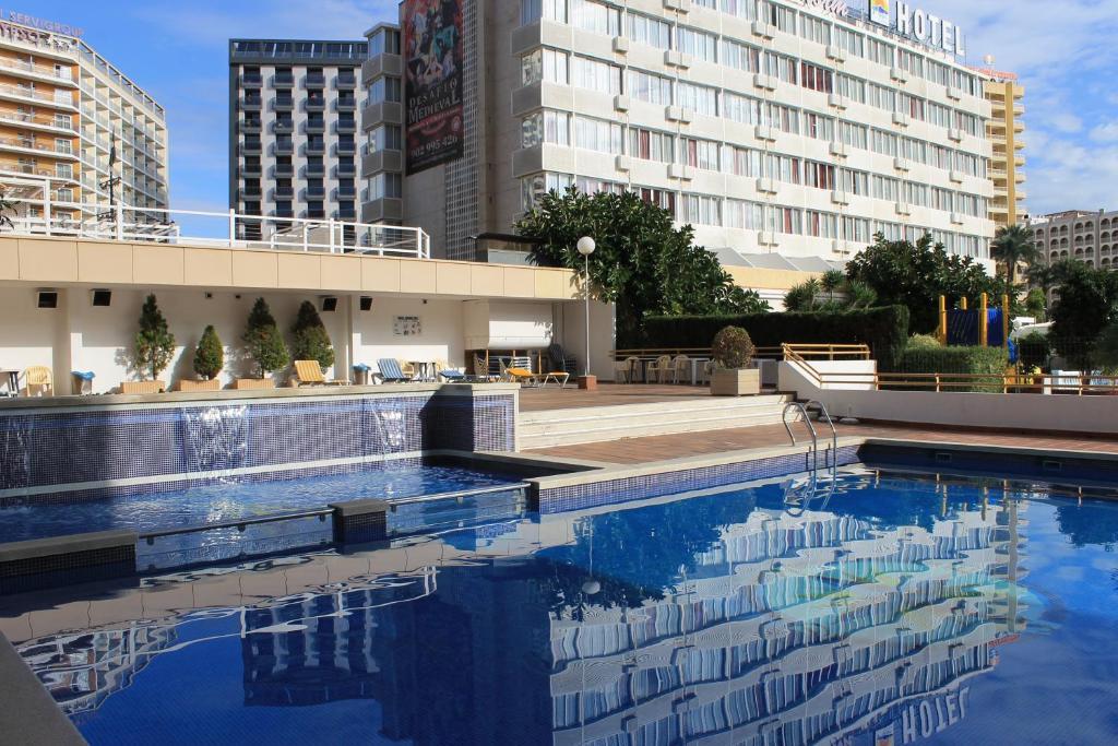 The swimming pool at or near Apartamentos Viña del Mar