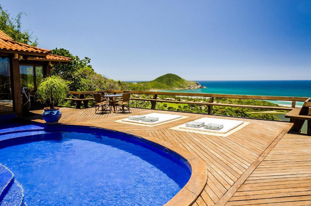 A piscina localizada em Solar Mirador Exclusive Resort e SPA ou nos arredores