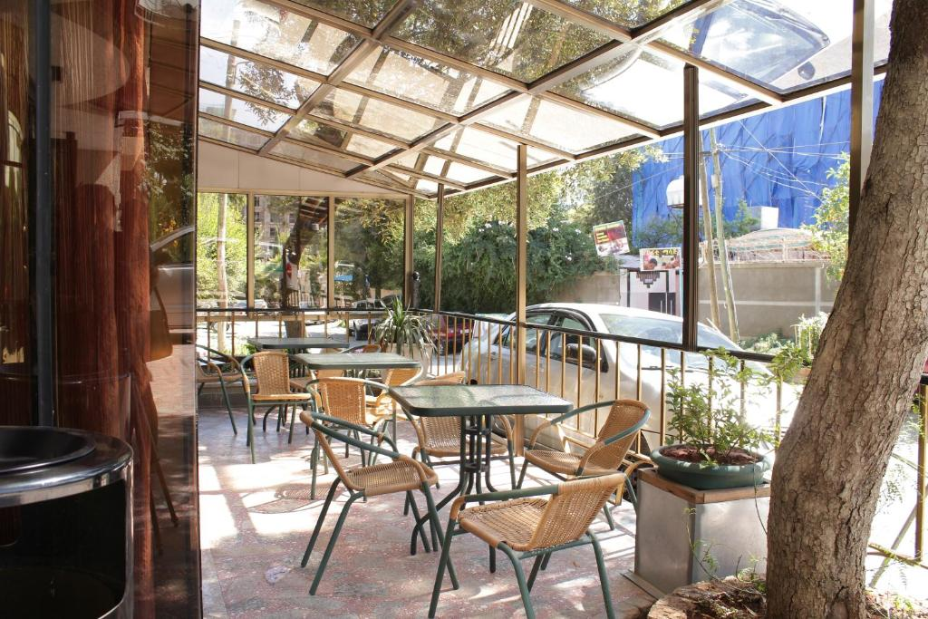 A restaurant or other place to eat at Hotel Lobelia