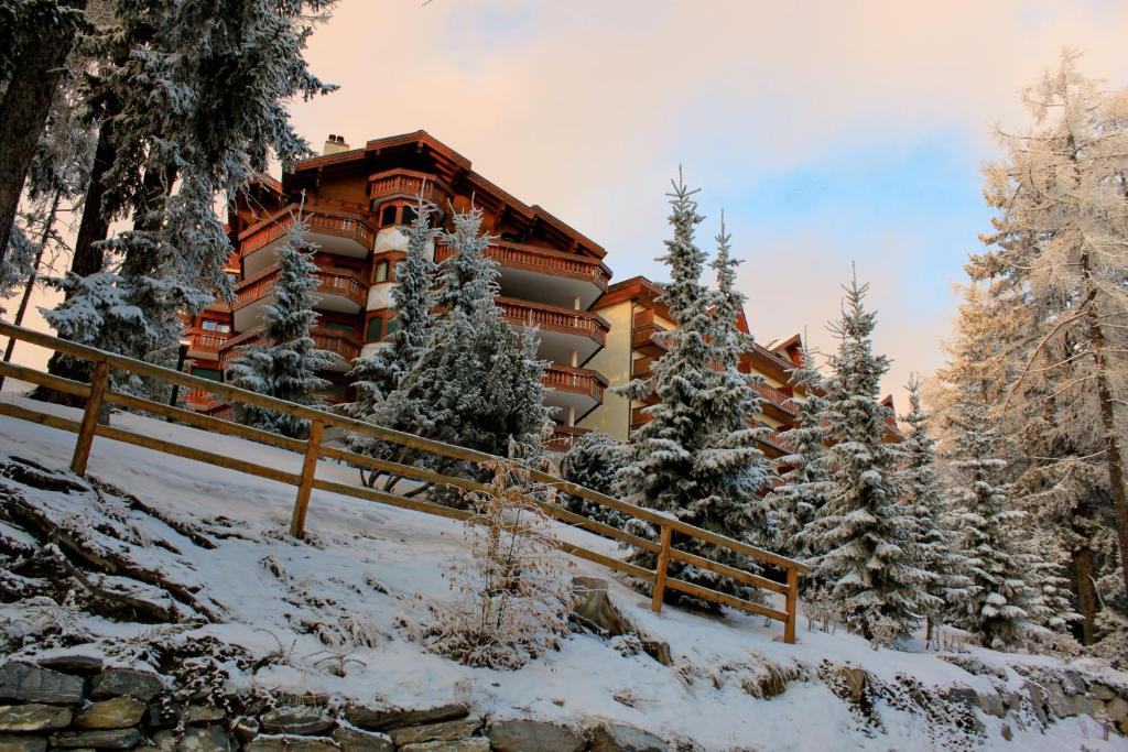 Hotel Royal during the winter