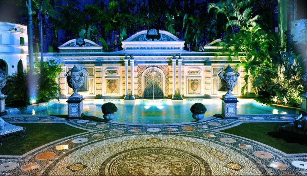 The Villa Casa Casuarina, Miami Beach – 2020 legfrissebb árai