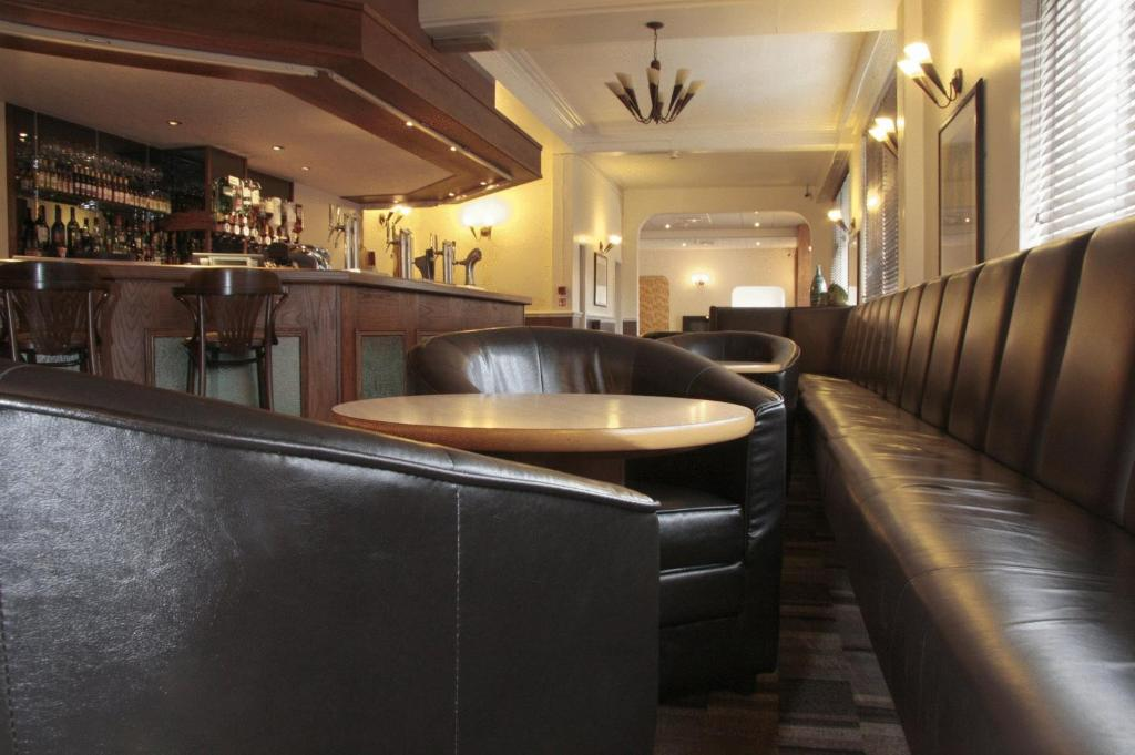 The lounge or bar area at Wortley House Hotel