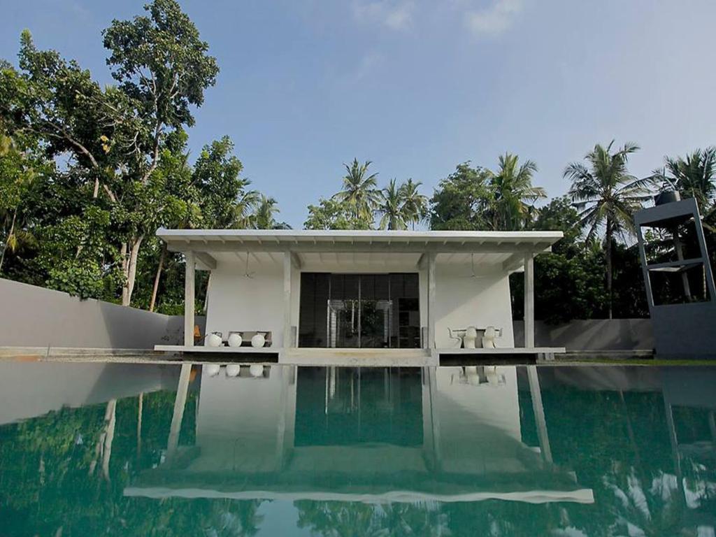 The swimming pool at or close to Pittaniya Villa