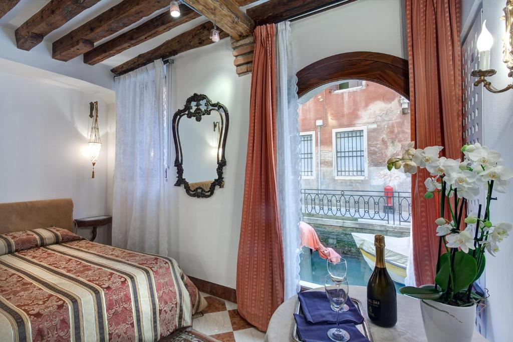 Apartment Nice Apts in San Marco, Venice, Italy - Booking.com