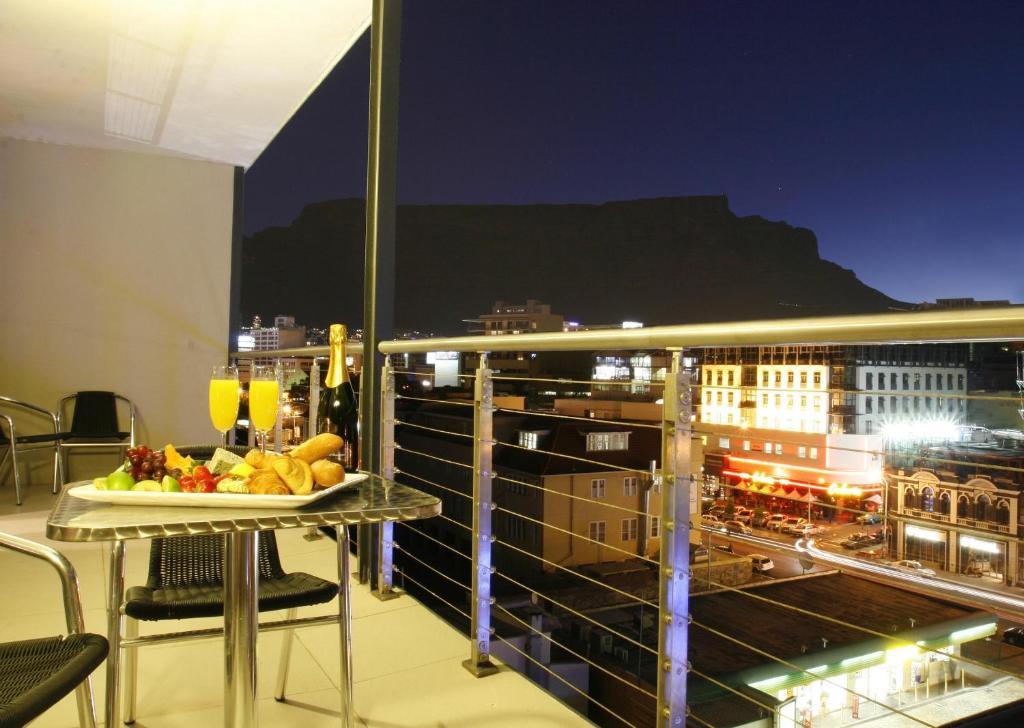 Balcon ou terrasse dans l'établissement The Rockwell All Suite Hotel & Apartments