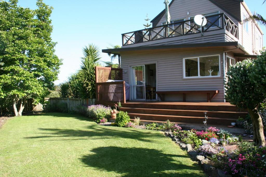 A garden outside Whitianga B&B - Adults Only