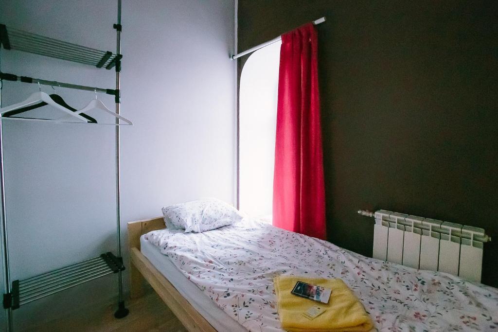 Кровать или кровати в номере Хостел Чей Чемодан