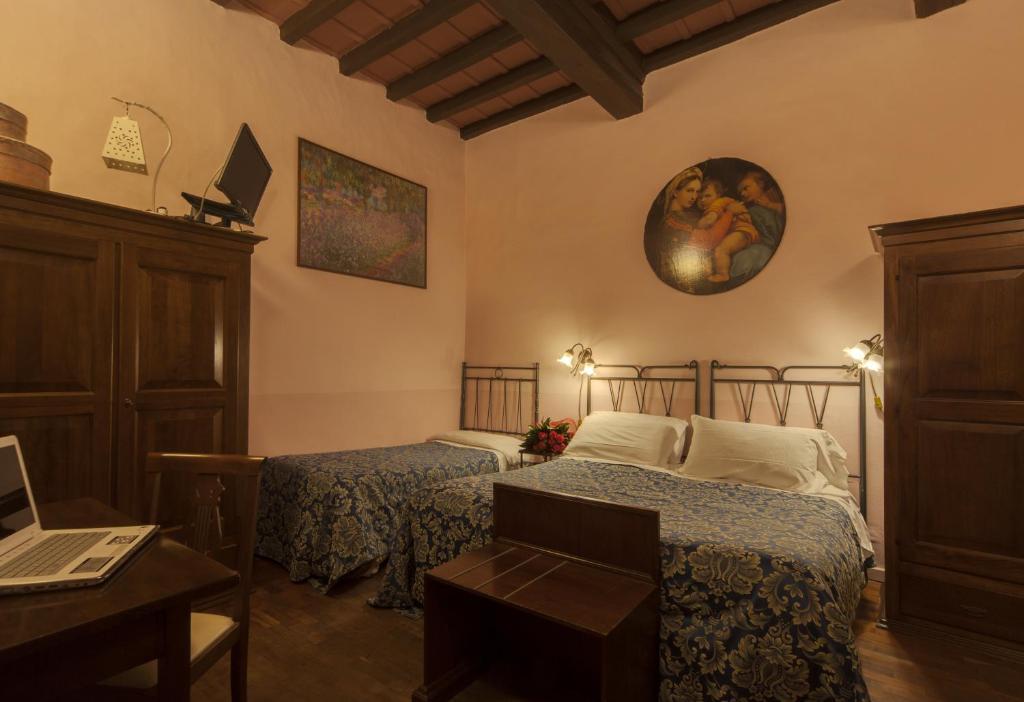 Bed and Breakfast Soggiorno La Pergola, Florence, Italy ...