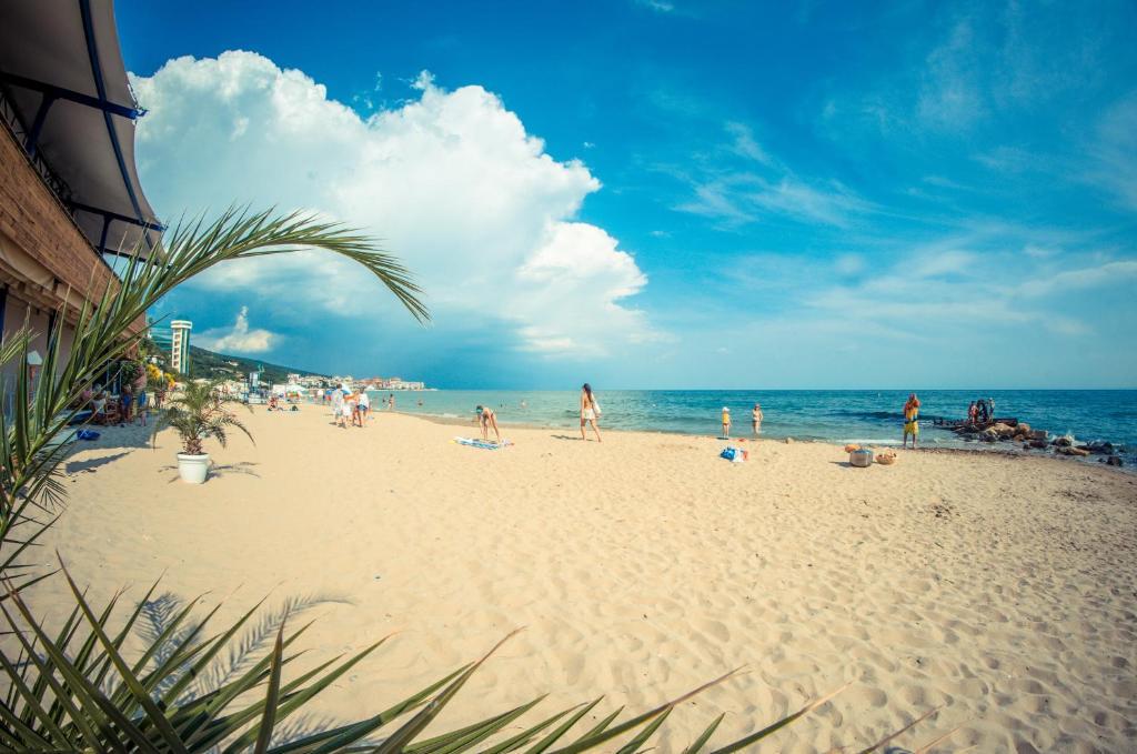 A beach at or near the condo hotel