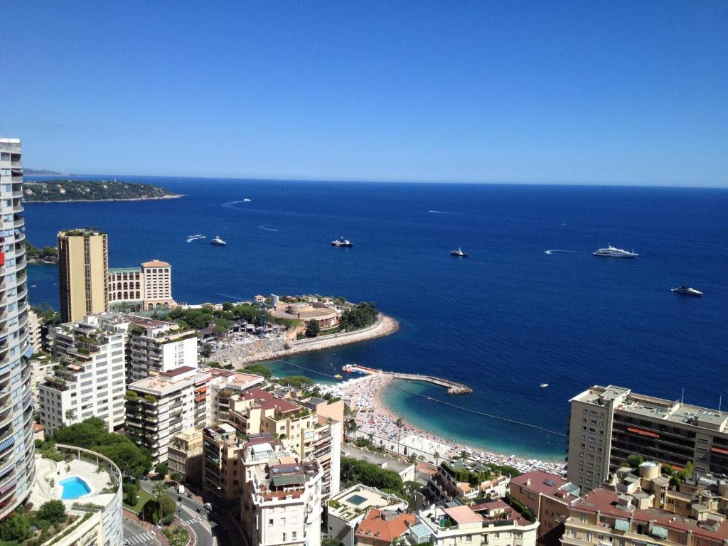 Vue panoramique sur l'établissement Monte Carlo Center