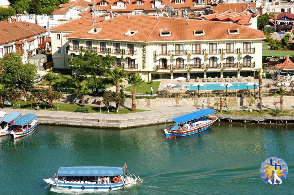 Een luchtfoto van Dalyan Tezcan Hotel