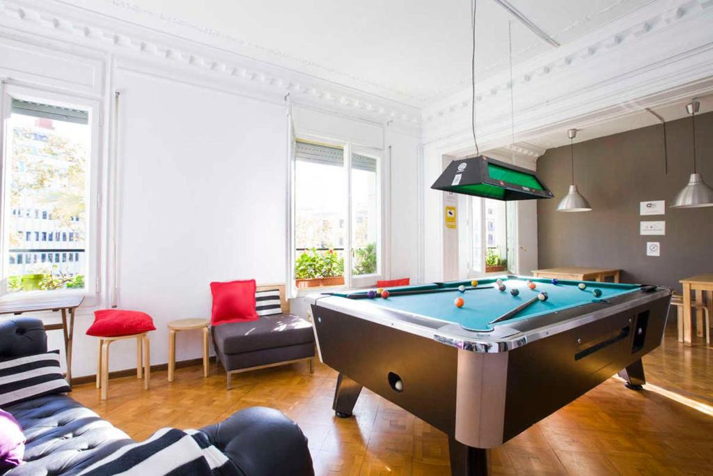 A pool table at Wow Hostel Barcelona