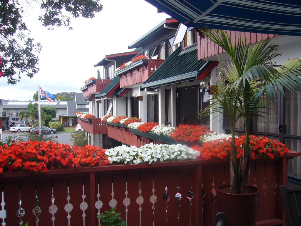 Swiss Chalet Lodge Motel