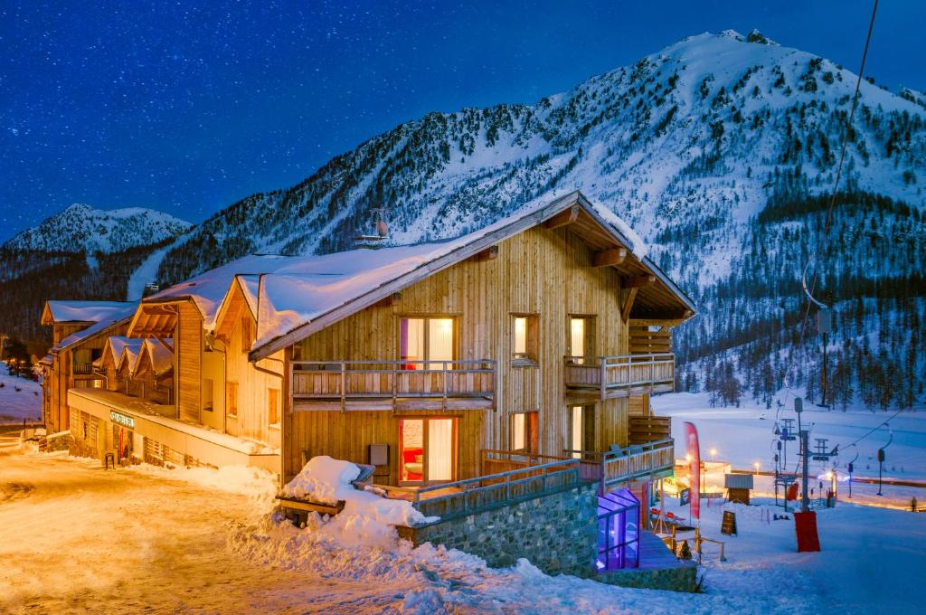 Anova Hotel Spa Montgenevre France Booking Com