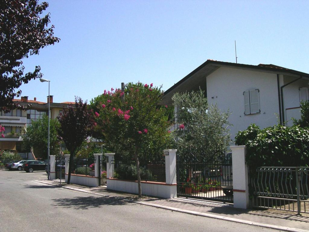 Villa Elegante Con Terrazzo E Giard San Mauro A Mare Italy